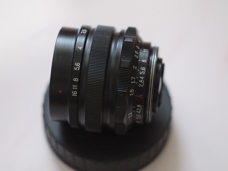 Mir-1V photo lens for M42 mounts ( side view with control rings )
