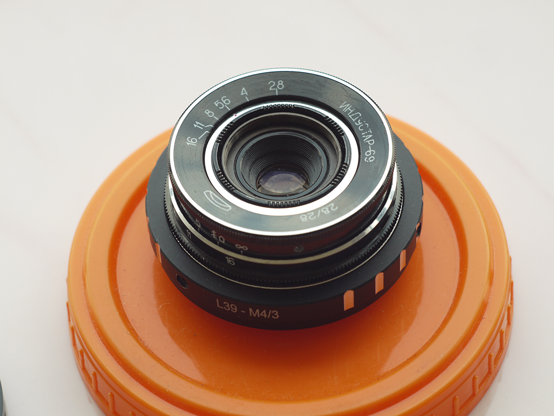 Industar 69 lens, frontal view with diaphragm control ring - M39 photo lens Industar 69 testing on Micro 4/3 matrix